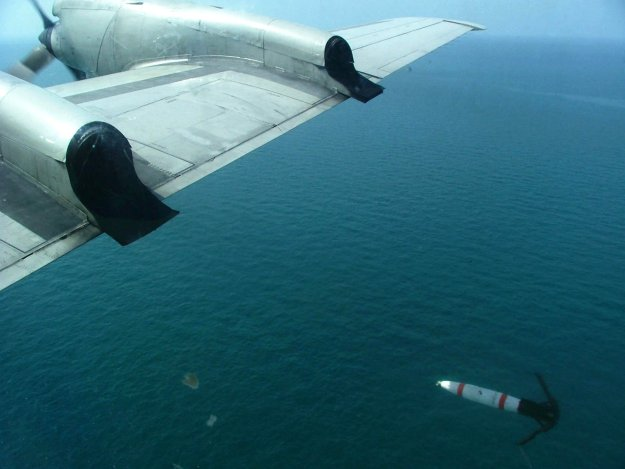 A MK 62 ÒQuick Strike mine is deployed from the starboard wing of a P-3C Orion aircraft in 2004. US Navy Photo