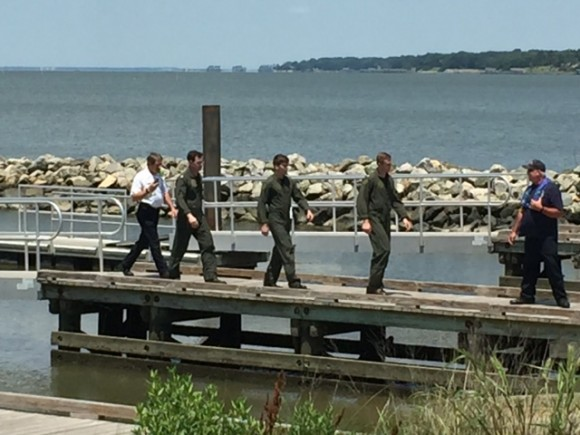 UPDATED: MH-60S Helo Crashes In James River; 3 Crew Members Rescued And Uninjured