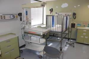 The pediatric room at the HITS Lab is nearly indistinguishable from one in a real hospital, right down to working medical equipment. The goal of the project, jointly brought to life by UT's College of Nursing and College of Engineering, is to put students in as real of an environment as possible.