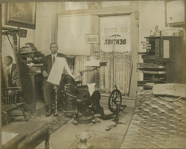 Dr. C.S. Boyd, Knoxville dentist, circa 1900-1910. African-American Photography Collection, MS.2129, Special Collections, University of Tennessee Libraries.