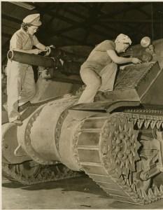 Rosies the Riveters, 1943