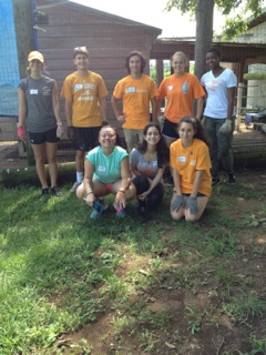 Volunteering with the Vols students and alumni worked at BELL Garden in Nashville. In the back row, from left to right, are Maddie Rainwater, Drake Lyle, Austen Whelan, Danielle DeJarnette, and Kayla Tisdale. In the front row are, from left to right, Hailey Fagan, Elif Girismen, and Yarden Batz.