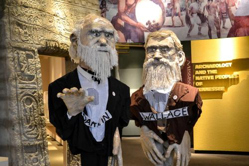 159845_Puppets_of_Charles_Darwin_and_Alfred_Russel_Wallace