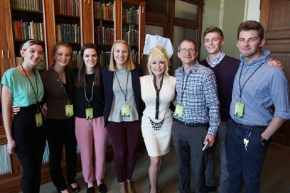 The crew with Dolly Parton. Left to right—freshman Kayli Martin, junior Abby Bowder, senior Story Sims, graduate student Lindsey Owen, professor Nick Geidner, senior Ben Proffitt, and senior Brock Zych.