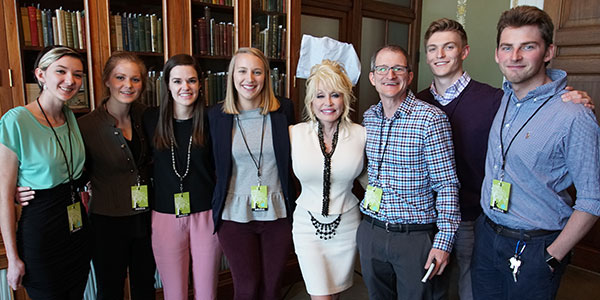 The production crew with Dolly Parton. Left to right—students Kayli Martin, Abby Bower, Story Sims, and Lindsey Owen, Professor Nick Geidner, and students Ben Proffitt and Brock Zych.