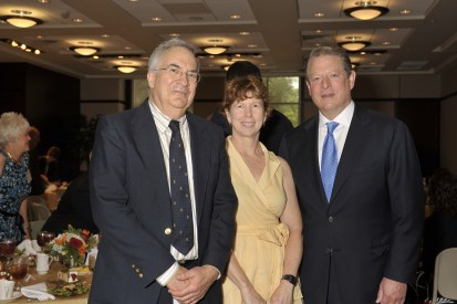 Daniel Simberloff and his wife, Mary Tebo, with former Vice President Al Gore