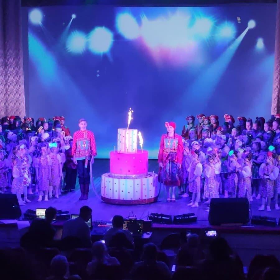Юбилейный отчетный концерт Олеси Ахметовой - цвр город маркс