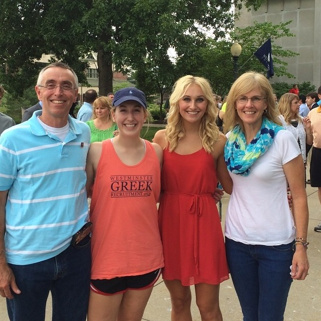 Shannon McCaul, second from right, poses with her family on Move-In Day 2014.