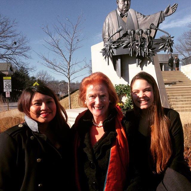Students Jennyfer Larios Martinez (left) and Lorena Greenwood (right) meet Churchill's granddaughter Edwina Sandys.
