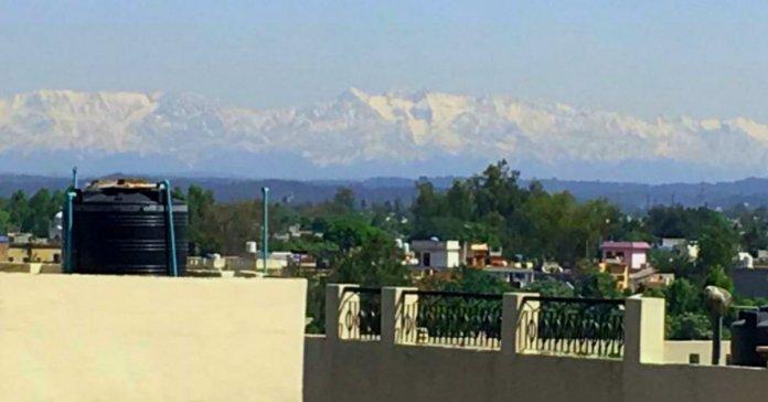 lockdown India: Dhauladhar range of Himachal can be seen from Jalandhar Punjab