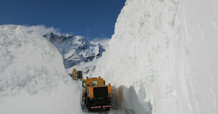 Rohtang Pass Opens Three Weeks Ahead Of Schedule