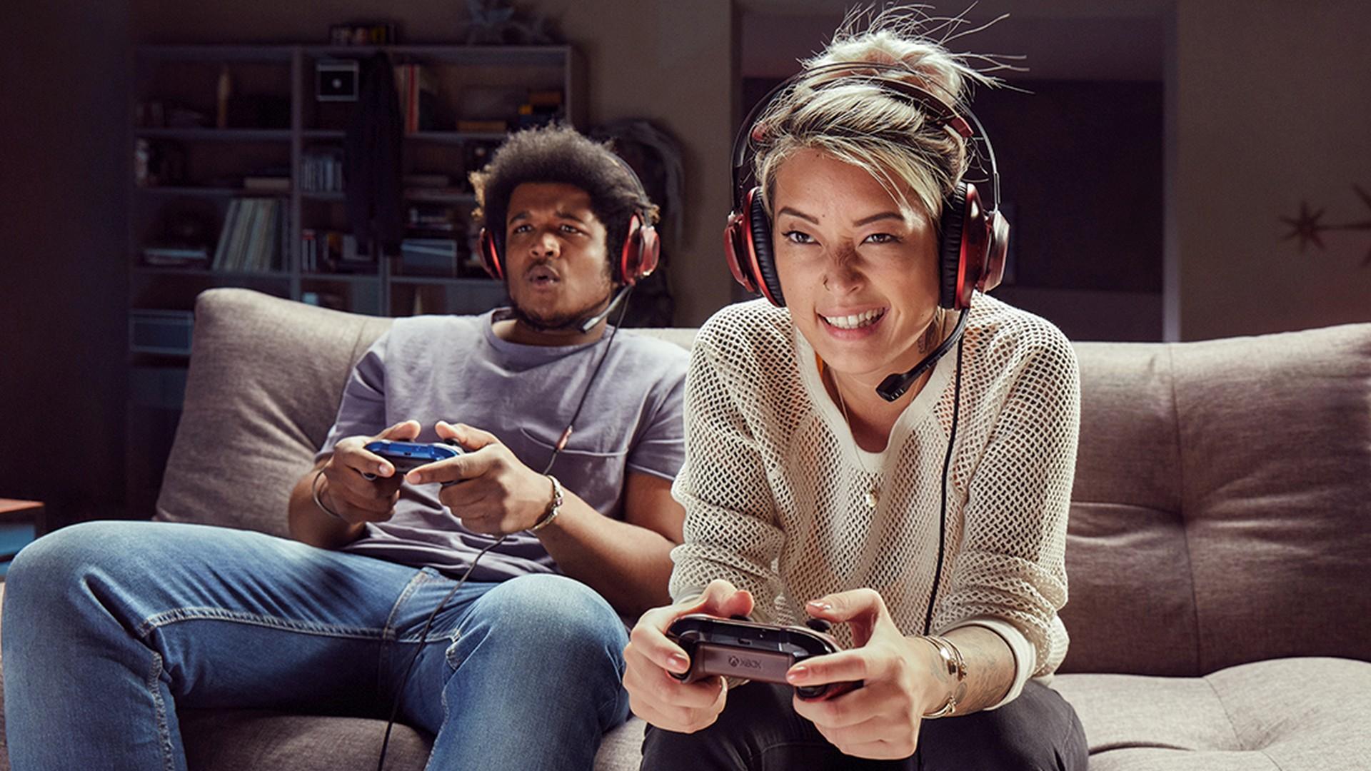Free Multiplayer Hero Image