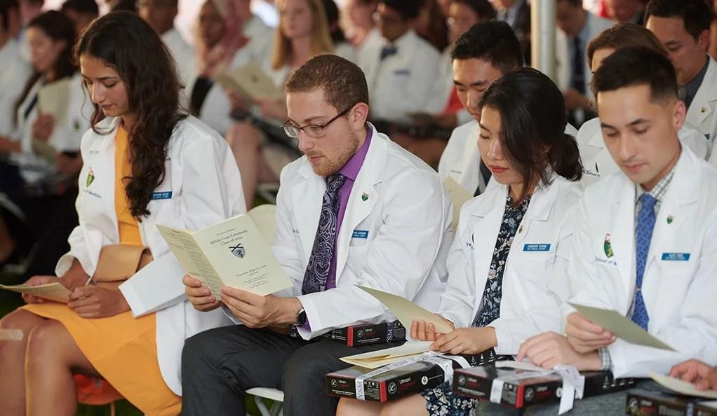 Universitas terbaik jurusan kedokteran  - Yale University