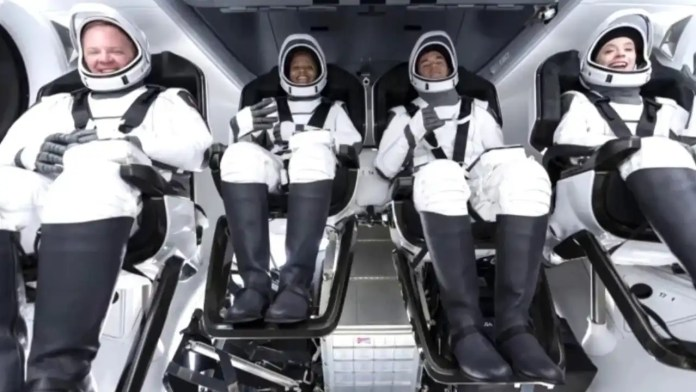 Elon Musk: SpaceX launches First Civilian Crew into Orbit without professional astronauts