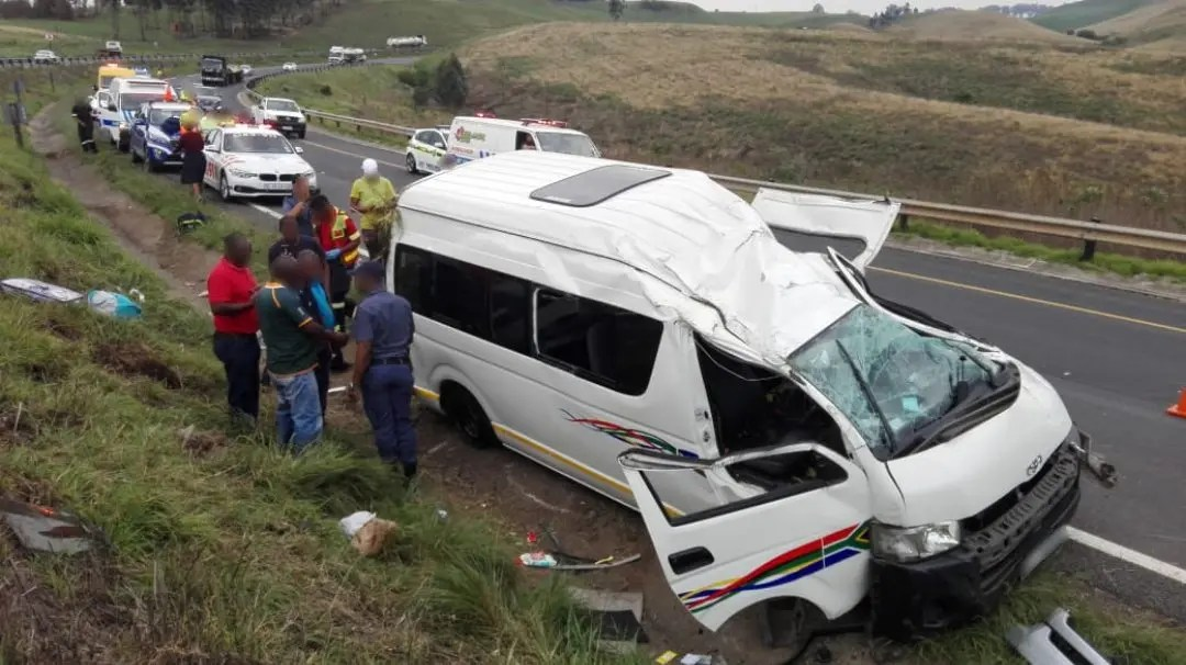20 Injured in N3 taxi rollover | News365 co za