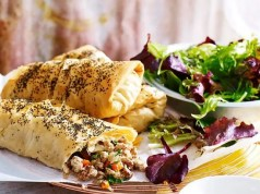 Spiced chicken parcel