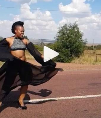 Zodwa Wabantu Dancing