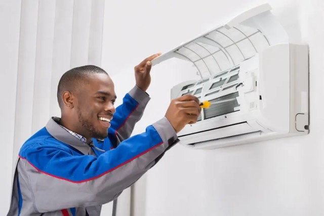 AIRCONDITIONER TECHNICIAN