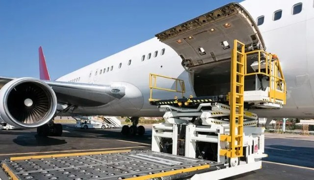 Sea and Airfreight Controller
