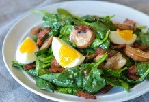 Warm spinach and bacon salad