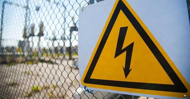electrocuted fence
