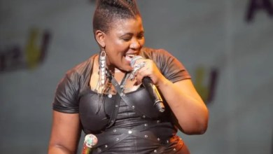 Photo of Thandiswa Mazwai has asked the government to help poor people during the Covid-19 pandemic