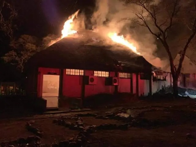 Letaba Camp shop destroyed in mystery fire