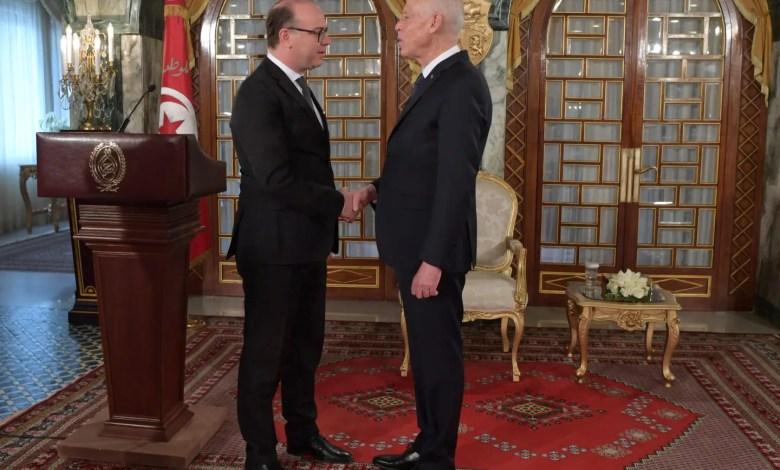 Tunisia swears in third government