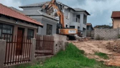 Blesser demolishes girlfriend's house