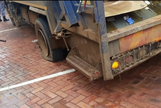 Worker crushed by truck after Jack fails