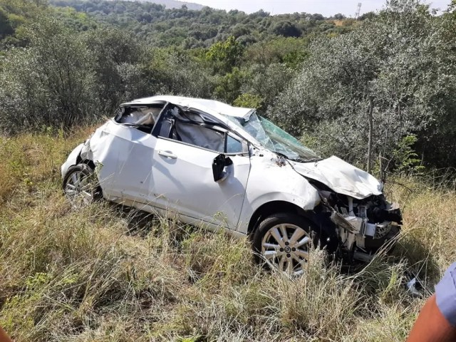 Family screams for help after car crashes down the ravine