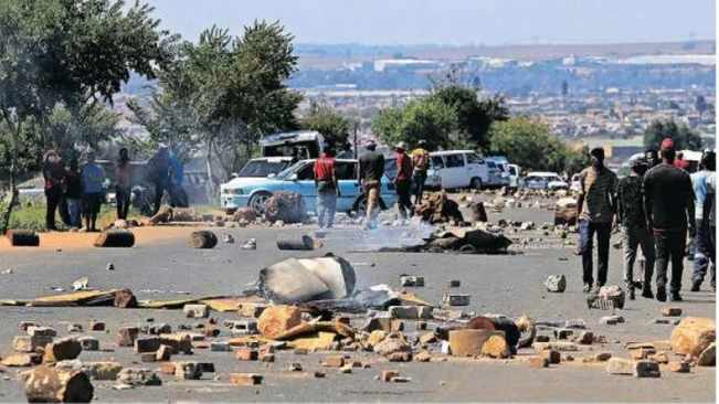 City of Joburg condemns lawlessness in Rabie Ridge as residents settle on private land