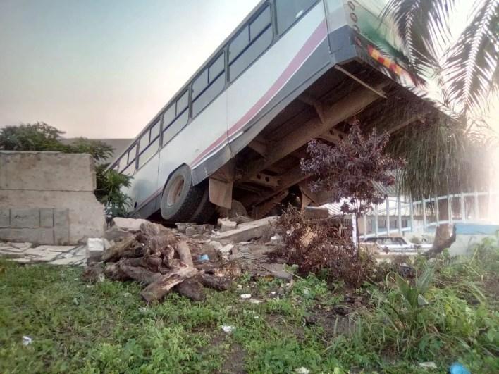 Bus crashes into KZN home