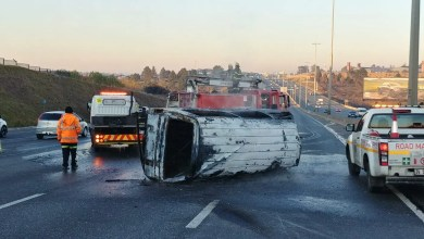 Eleven people injured in mini-bus taxi rollover and fire
