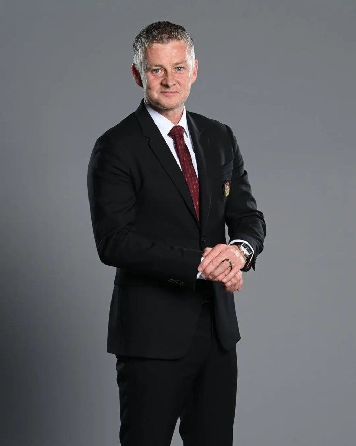 Manchester United coach Ole Gunnar Solskjaer extends contract