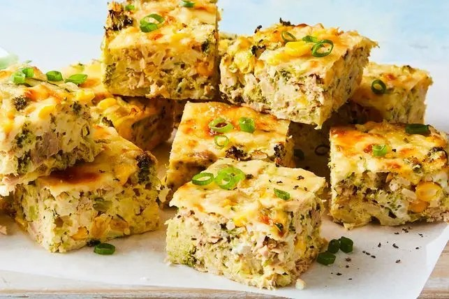 This is how to make Tuna, sweetcorn and rice slice recipe