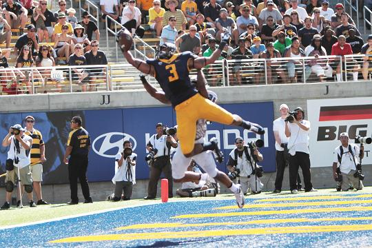 Cal wide receiver Maurice Harris makes a spectacular catch against Portland State. Photo Credit: Jevone Moore