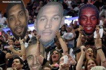 San Antonio Spurs fans cheer as their team captured the 2014 NBA championship. Photo Credit: Antonio Uzeta/News4usonline.com