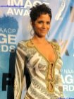 Actress Halle Berry stuns the crowd at the 42nd NAACP Image Awards. Photo Credit: Dennis J. Freeman/News4usonline.com