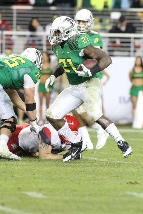 Oregon running back Royce Freeman rushed for 114 yards against the Wildcats of Arizona. Photo Credit: Jevone Moore/News4usonline.com