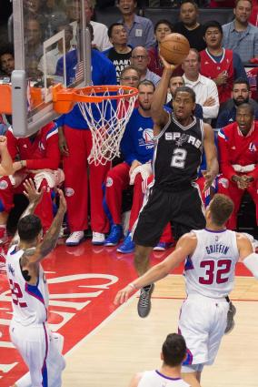 Kawhi Leonard shoots a jumper against the Clippers in Game 5. Photo Credit: Tiffany Zablosky/News4usonline.com