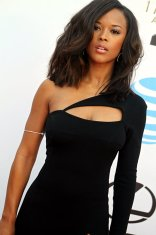 Actress Serayah McNeill (Empire) is striking at the 2016 NAACP Image Awards. Photo by Dennis J. Freeman/News4usonline.com