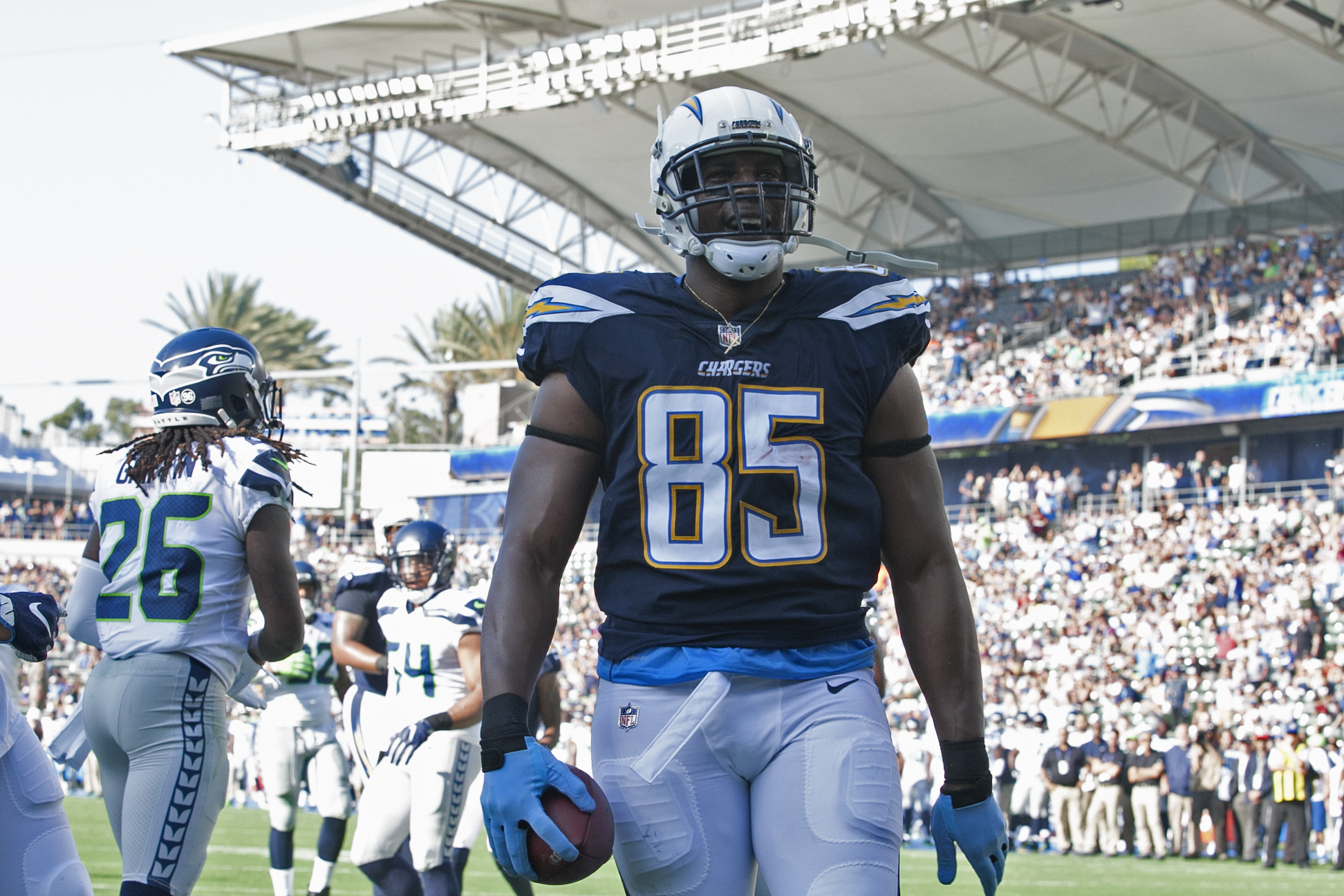 Los Angeles Chargers tight end Antonio Gates celebrates his touchdown against the Seattle Seahawks in preseason action. The Seahawks defeated the Chargers, 48-17. Photo by Astrud Reed/News4usonline