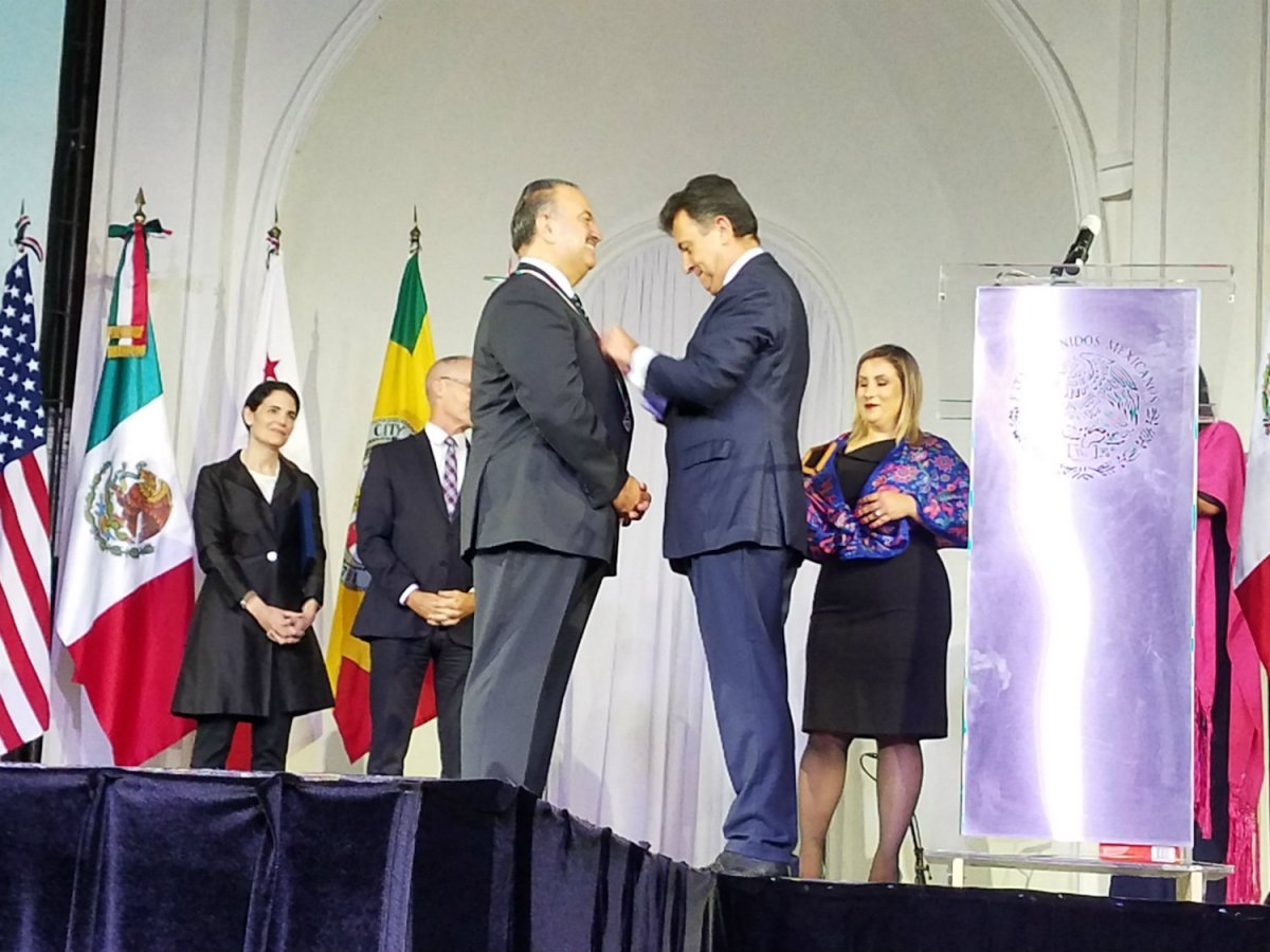 Mexico hands out esteemed civilian honor to LACCD Chancellor