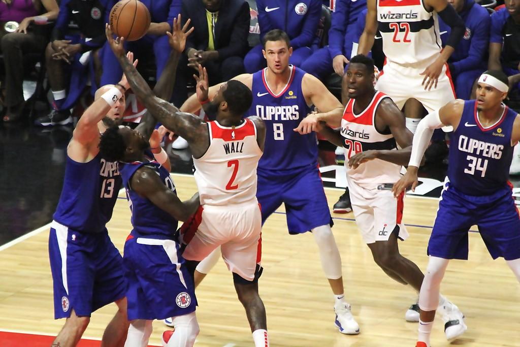 b42b04c478c Clippers dominate John Wall