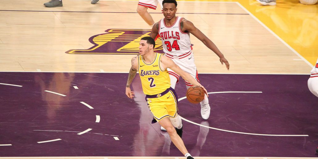 Lonzo Ball making plays against the Chicago Bulls