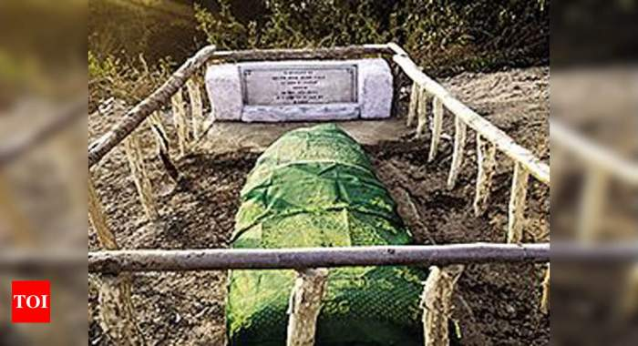 Army restores grave of Pakistan officer | India News