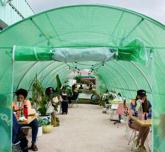 Restaurants get creative to keep outdoor diners warm