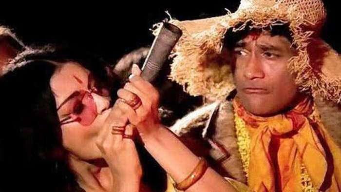 Was Lata Mangeshkar and not Asha Bhosle the first choice to sing 'Dum Maro Dum'?