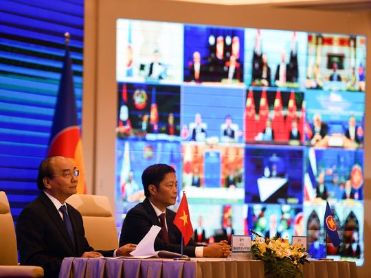 15 Asian nations sign huge China-backed RCEP trade pact